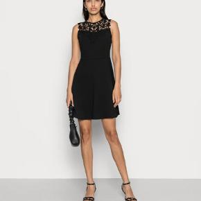 WAL G. kjole