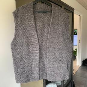COSTER COPENHAGEN vest