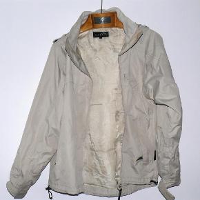 4deaf154de9 Brand: North Field Varetype: regnfrakke regnjakke Størrelse: S/M Farve: hvid