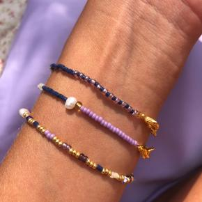 Perle armbånd Lilla mørkeblå  perler med ferskvands perler Lås: forgyldt messing 💮 Prisen er fast pr styk og inkl Porto