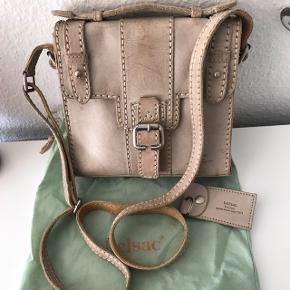 Lædertaske der er 7 år gammel. Brugt under 10 gange.