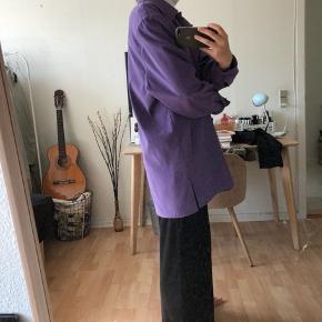 Fed vintage skjorte/jakke fra mærket studio. Str svarer til en large 💛