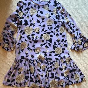 Smuk Ganni kjole i str 38 OBS PRISEN ER FAST