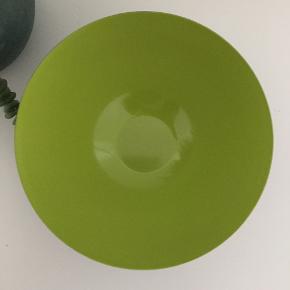 Er aldrig blevet brugt. Stand som ny. Farve limegrøn. 16 cm.