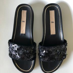 Sorte sandaler fra zara.  Aldrig brugt