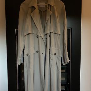 American Vintage trenchcoat