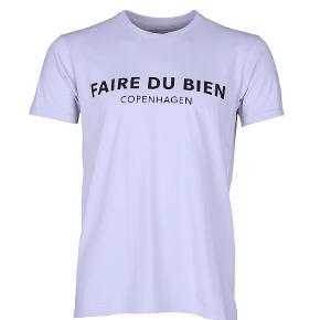 Brand: FAIRE DU BIEN Varetype: T-shirt Farve: Grå Oprindelig købspris: 300 kr.