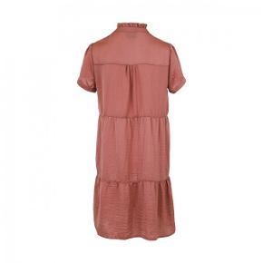 Gilda kjole, vasket to gange. Farven Ash Rose Længde 90 cm. Bryst 2 x 53 cm.  Bytter ikke