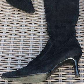 Flot ruskinds støvle fra Peter Kaiser. Brugt enkelte gange