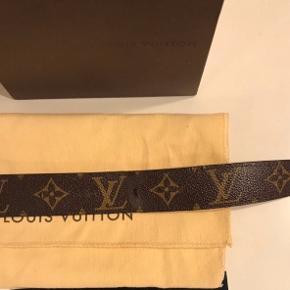 Louis Vuitton Bælte alt originalt undtagen kvit medfølger