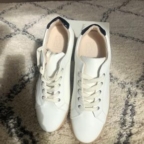 InWear sneakers