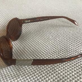 Rigtig fine solbriller fra Lanvin i klassisk brun. Næsten ikke brugt.