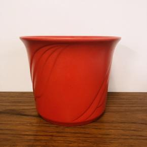 Skøn West Germany urtepotte i postkasse rød.❤️