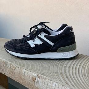 New Balance sneakers str. 36,5. Brugte men stadig fine og kan med fordel peppes lidt op med lidt skosværte.