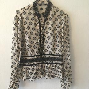 Inwear skjorte med peplum effekt. Str. 40 (UK 14) 80kr- eller byd!😊