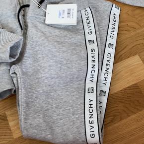 Givenchy tøjpakke