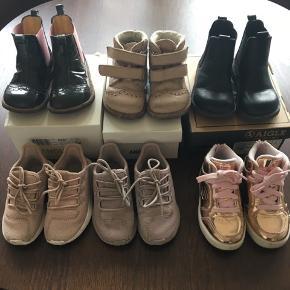 Fine forårs støvler og snekkers fra Angulus, Aigle , sketcher og Nike 🙏🌸 Begge støvler er i den meget pæne ende af GMB 🌸 Alle er str 22 undtaget Sketchers skoene som er en str 23 (sålerne blinker ).
