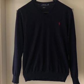 Polo Ralph Lauren - merino strik (str. medium   slim fit) Rigtig lækker strik Som ny! Original kvittering haves