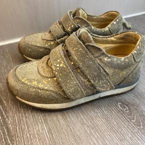 Varetype: SneakersFarve: Guld
