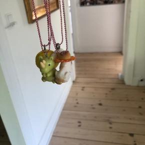 Fine smykker fra Pop Cutie fra Kalle Børnetøj. Der er for ca 500 kr. samlet 125 pp