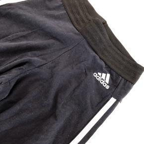 Brugt få gange   Pasform: leggings   Matriale:  92%cotton  8% spandex