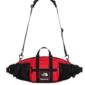 Supreme x The North Face waist bagDS condition Alt OG  Tag den for 1499 (under retail)