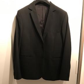Fed sort business jakke, str 52 aldrig brugt. Sælges da jeg har for mange jakker 😁