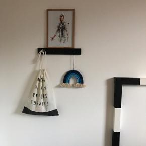 Håndlavet regnbueophæng 🌈 Mål 17 x 14 cm