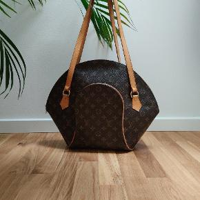 Louis Vuitton ellipse gm♥️ Nypris +10.000kr🖤 Flot stand 🌺 Mål 40×45🌺 Utrolig skøn taske