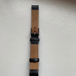 Ur rem sælges da jeg fik stjålet mit ur og derfor ikke fik brug for ur remmen😊