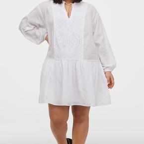 Kjole fra H&M. Aldrig brugt, bare hængt i skabet.