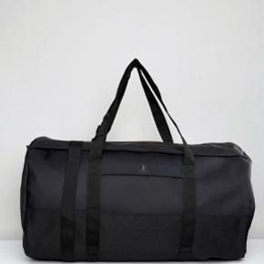 Købt for 800,-  travel duffel bag.