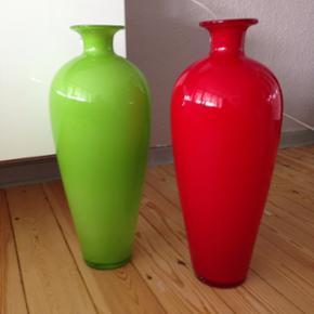 Høj stor flotte vaser  Aldrig brugt  H 53 cm  1000 fra nye  Nu 300 pr st