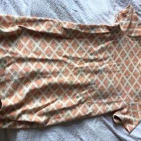 Fin kjole med mønster