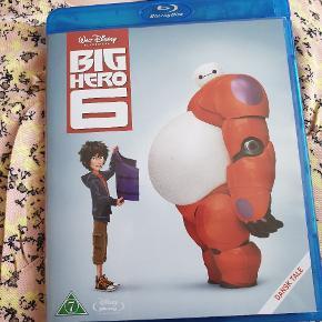 Disneys Big Hero 6 HEJ jeg har fundet ud af jeg allerede havde den i min samling, så jeg sælger den billigt. Den er kun åbnet, men ikke set 😊