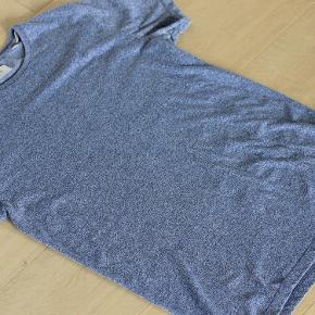 lindeberg  str. M 'bryst 2x56 længde fra ærmegab til bund 50 cm