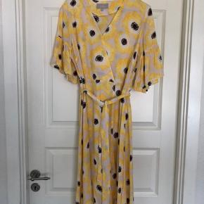 Flot fin kjole fra Inwear med bælte