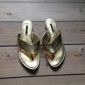 ec3f8f4927e Lækre sandaler fra Louis Vuitton. Købt i Hong Kong 2009. Brugt få gange.
