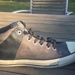 99a37ece240 Varetype: støvler Farve: Grå Oprindelig købspris: 700 kr. Prisen angivet er  inklusiv