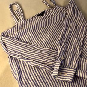 Sød bluse fra MbyM Nypris 400kr, kun brugt få gange  Str small