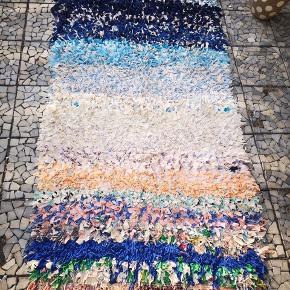 Marokkansk bomulds tæppe, Måler 220 x 95  Håndlavet, 100 pct øko bomuld, kan vaskes i vaske maskine. 14 dage bytte garanti.