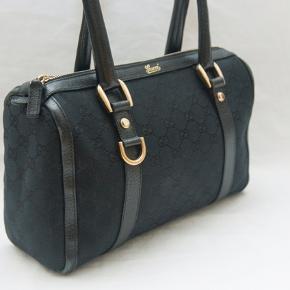 Gucci GG Canvas sort læder Boston skulder tasker i rigtig god stand. Str. 28 x 20 x 7 cm.