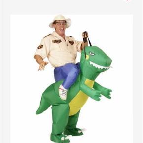 Sælger dette kostume, kun brugt en gang. Videoer kan sendes:)