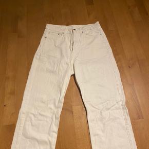 De er brugt en gang men er for store, ellers super fede jeans;)