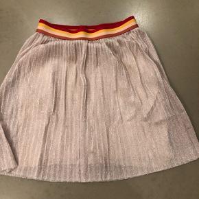 Guld nederdel. Byd, 6710