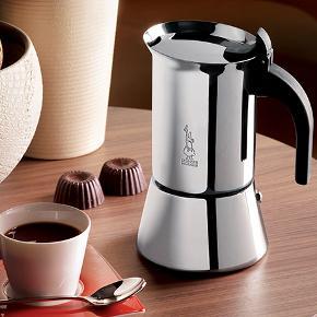 Bislett mokkakande og melkeskummer i god stand. Kan bruges på induktion og andre varmekilder. God til espresso.