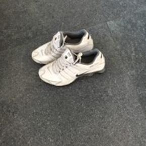 Nike shox hvid 42