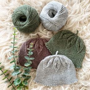 Håndstrikkede bærhuer i 100% baby merino uld.   Laves på bestilling i str. 68 Kan maskinvaskes på 40 grader. Vælg blandt de mange farver.  Sendes med GLS til nærmeste pakkeshop for 39,-