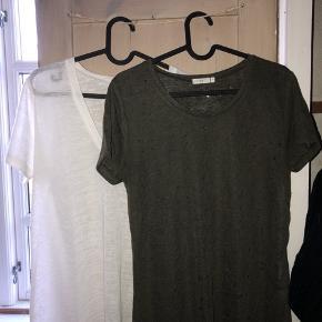 Maché t-shirts: 100 kr pr stk  Aldrig brugt