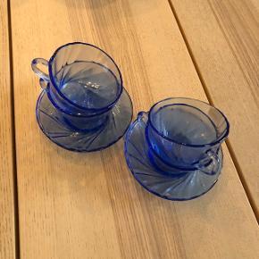 Fine kopper og underkopper købt i Beau Marché. Aldrig brugt.  Nypris: 500 kr.  Mindstepris: 250 kr.  Kan hentes på Østerbro, jeg bytter ikke☺️